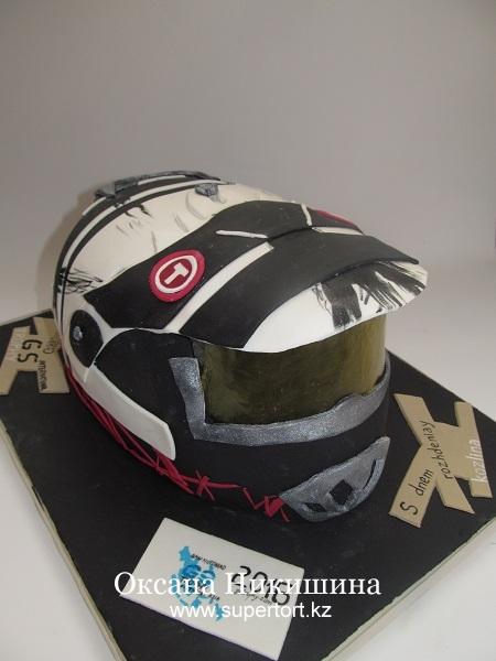 Торт Шлем мотоциклиста