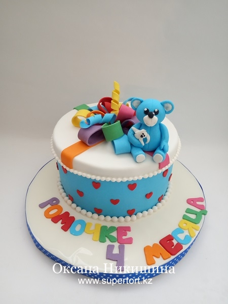 Торт Мишка поздравляет Ромочку