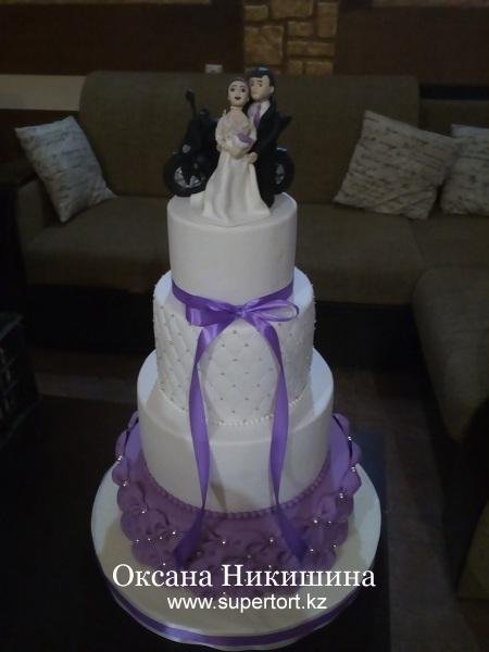 """Свадебный торт """"Мы мчимся к мечте"""""""