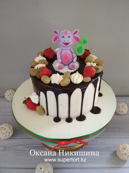 """Торт """"Лунтик в ягодах"""""""