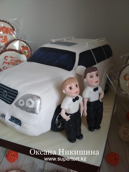 """Торт """"Lexus для Артема и Мирона"""""""